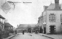 GENOUILLY Rue Centrale